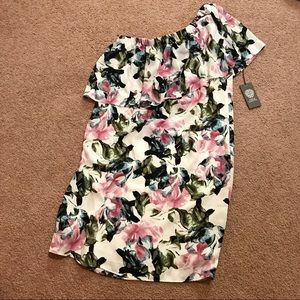 NWT Vince Camuto floral one shoulder dress